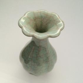 """Old Chinese Guan Ware Style Tulip Top Vase  10""""h"""