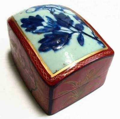 Painted Porcelain & Wood Chinese Box