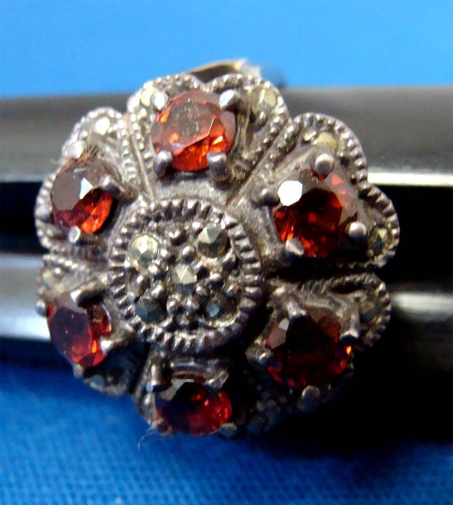 Silver .925 Marquesite Ring W 6 red Stones - 2
