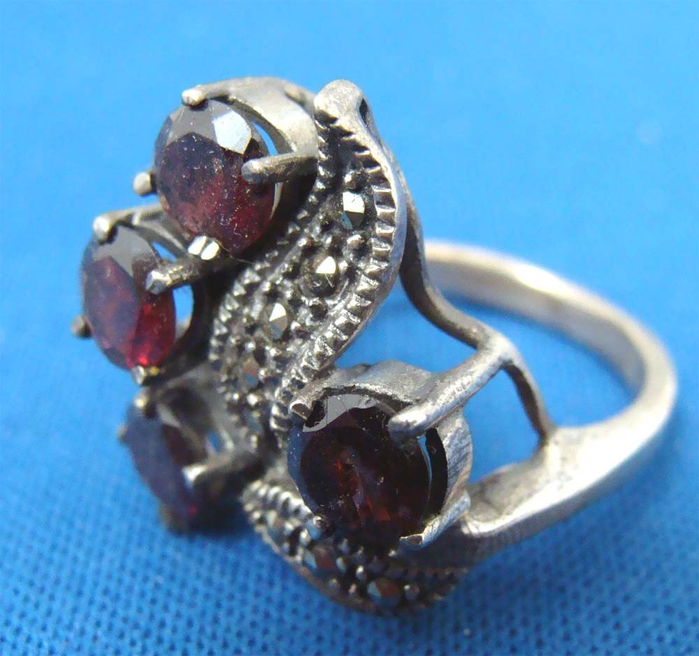 Silver .925 Marquesite Ring W 4 Ruby Red Stones - 2