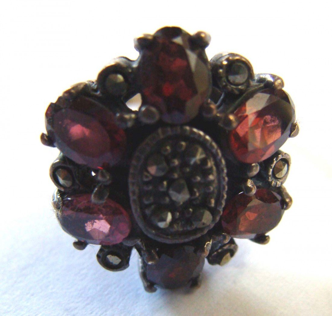 Sterling Silver .925 Marquesite Ring w 6 Ruby Color Sto