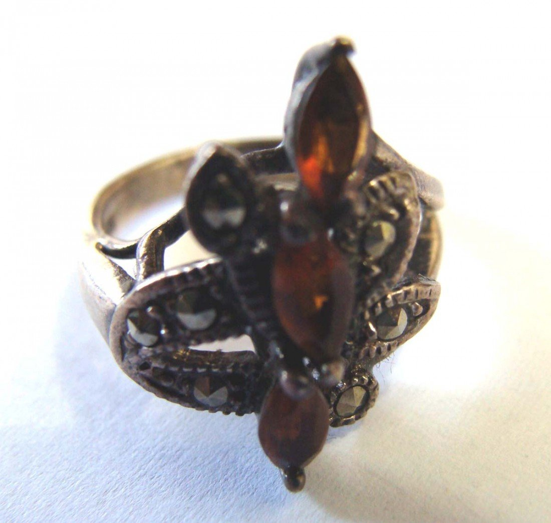 Sterling Silver .925 Marquesite Ring w 3 Topaz Color St