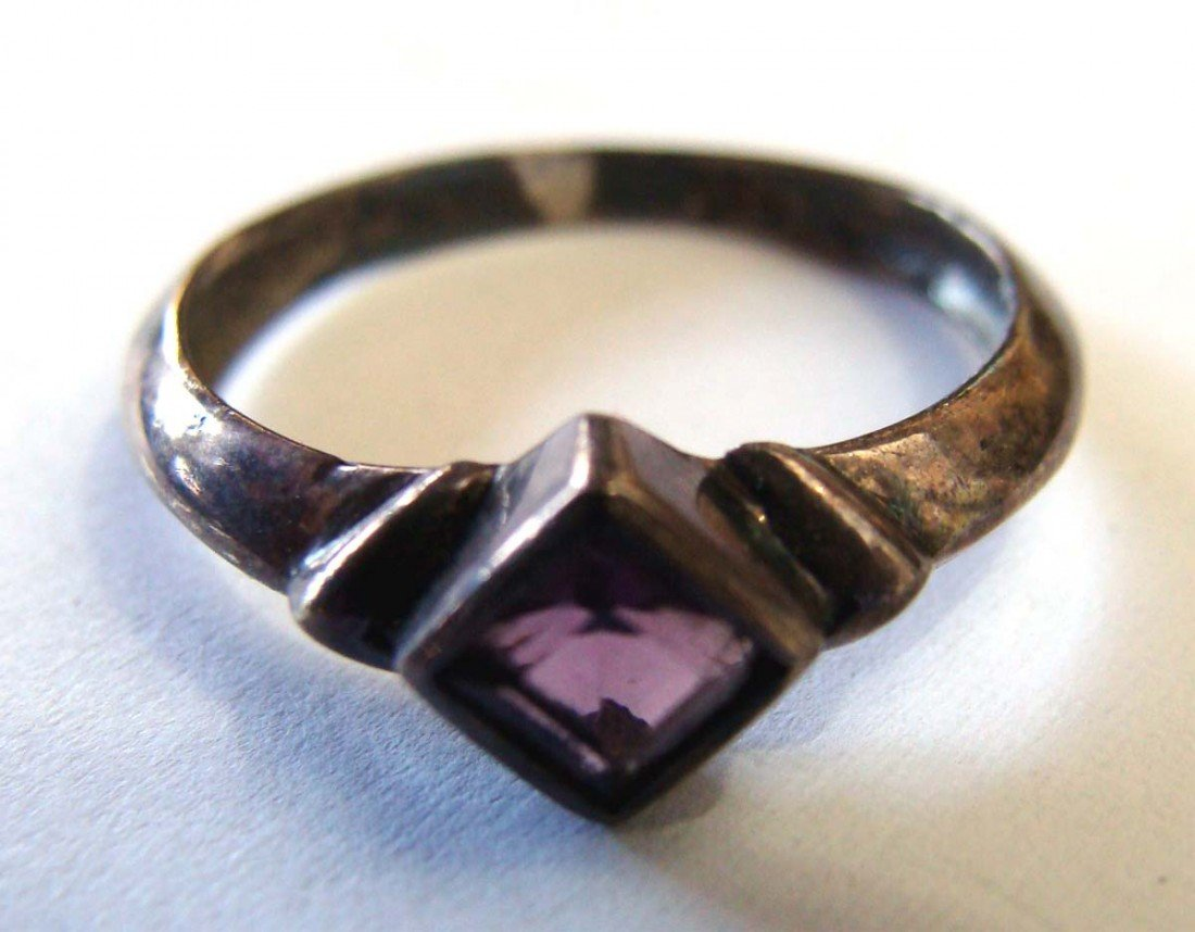 Sterling Silver .925 Marquesite Ring w Amethyst Color S