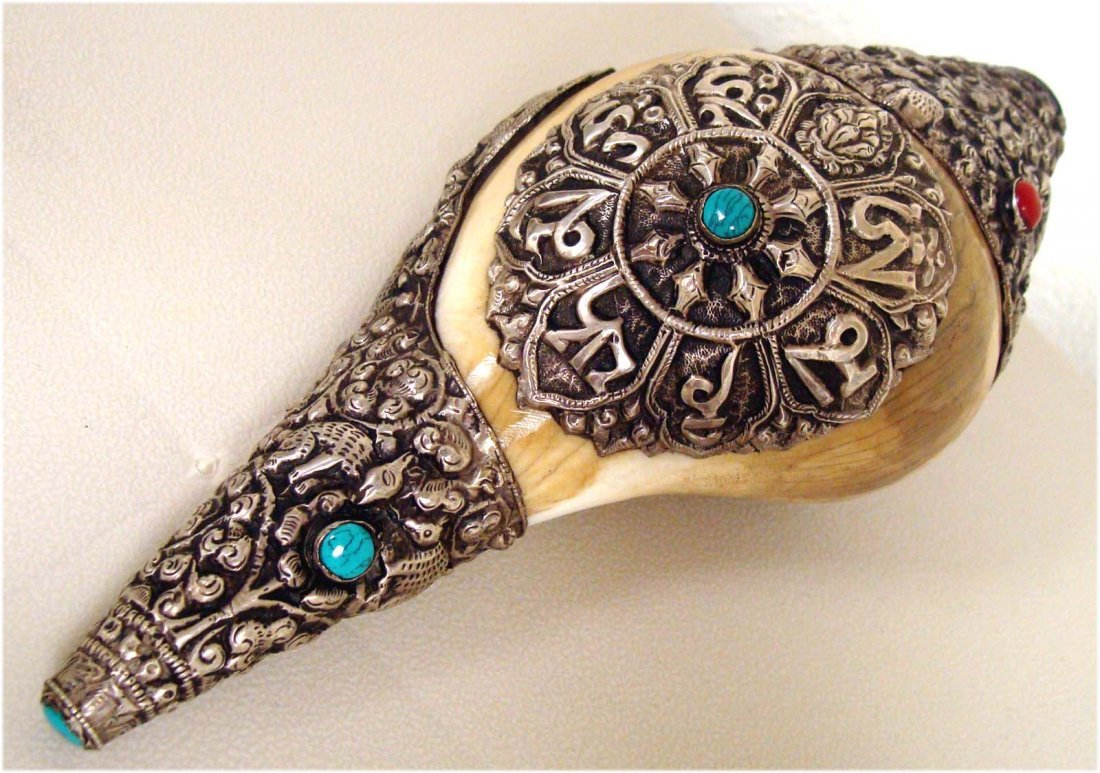 Tibetan Silver Ritual Conch Shell Sankha Turquoise Bead