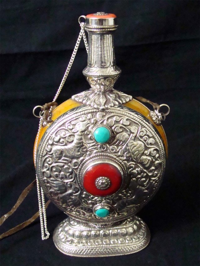 Nepal etched silver Large Snuff Bottle