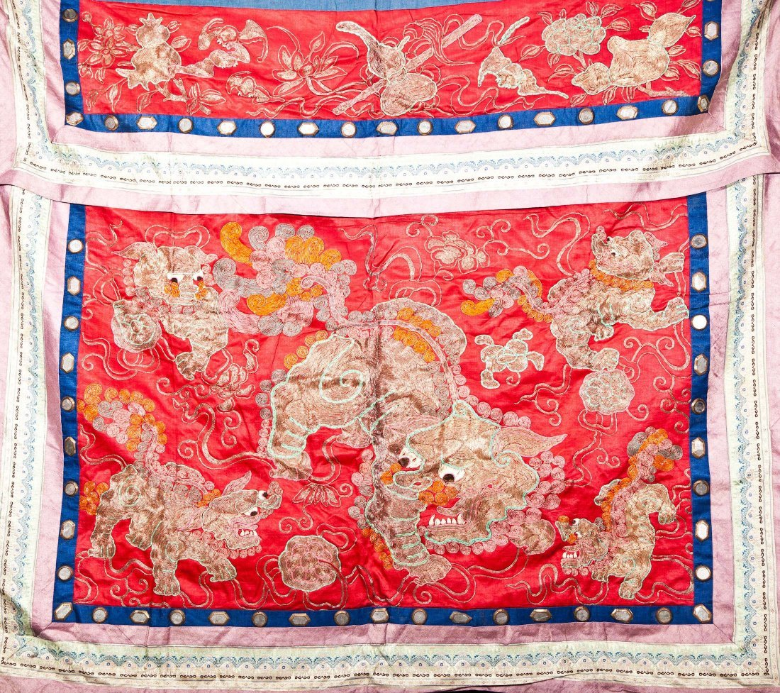 CHINESE ANTIQUE EMBROIDERY CURTAIN