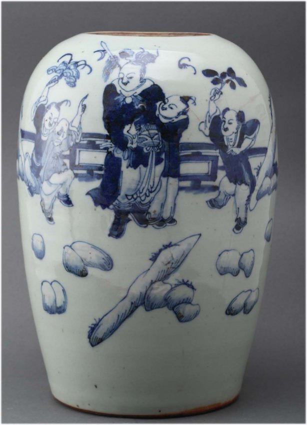 Chinese blue & white porcelain jar Depicting a warrior
