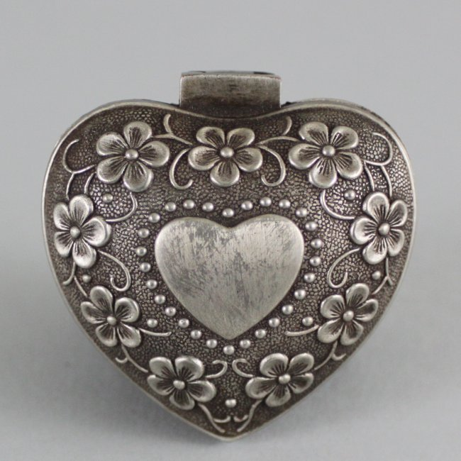 Chinese Silver Heart Hinged Jewelry Box