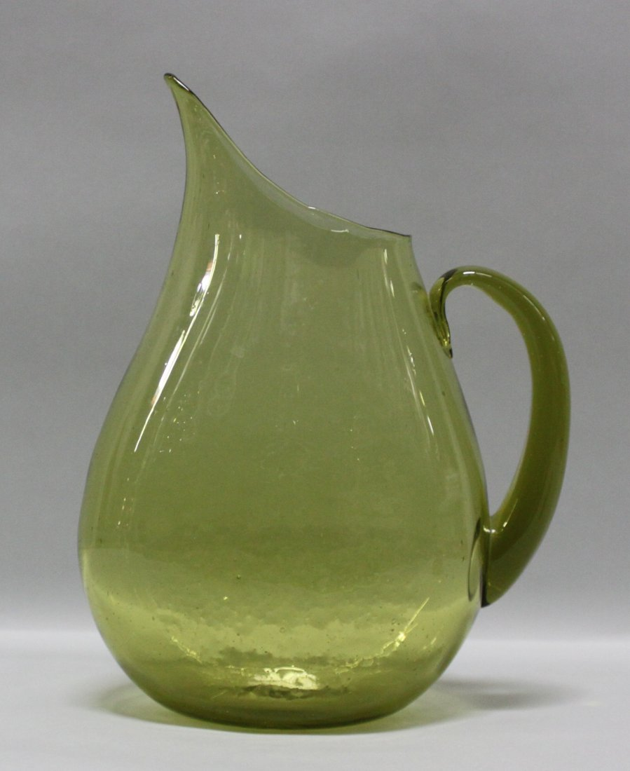 "12.5"" Vintage Green depression glass Water Pitcher"