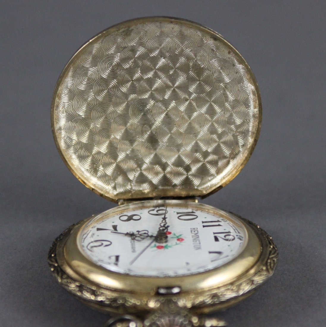Vintage REMINGTON Pocket Watch WIND UP Engraved Ducks - 5