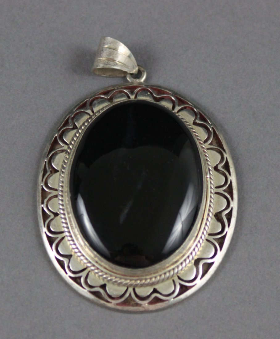 Nepal Silver Pendant Large Onyx Cabachon Stone Center