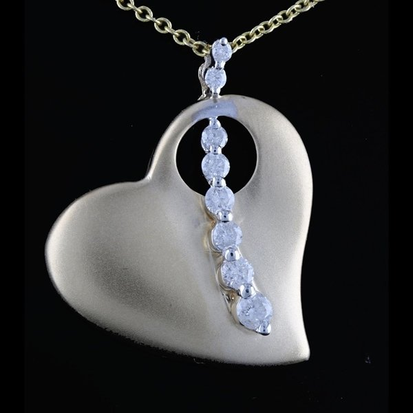 14k YGold 0.38CTW Color G Diamond Heart Pendant & Chain
