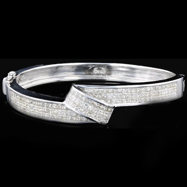 18k White Gold 5.92CTW Diamond Bangle Bracelet
