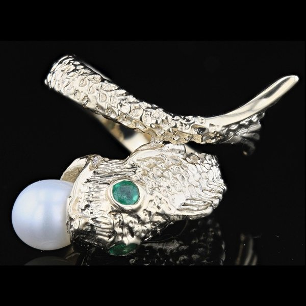 14k Y Gold 0.10CTW Emerald and Pearl  Ring