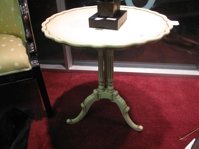 11: Small Louis XV style round cofee table