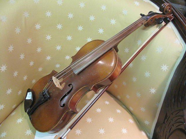 15: Stradivarius Violin Old Repro