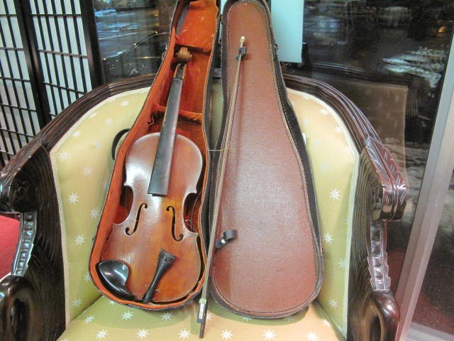 1: Old Violin and accessories