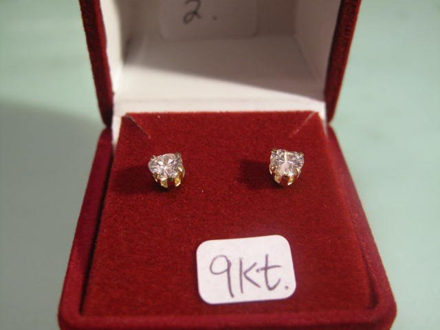 2: 9ckt.Gold heart shaped CZ Earrings