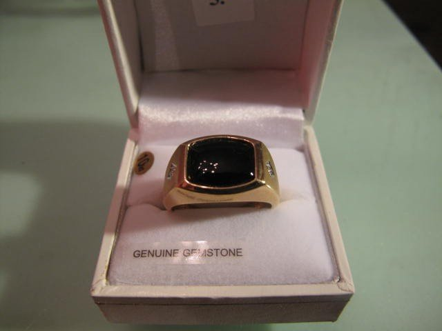 5: 10kt. Gold Ring set with Black Onyx and Diamond
