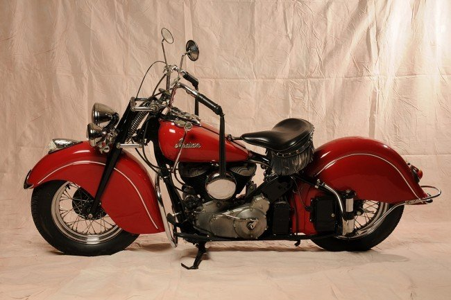100: INDIAN CHIEF BIKE 1947 , mint condition 1400 miles