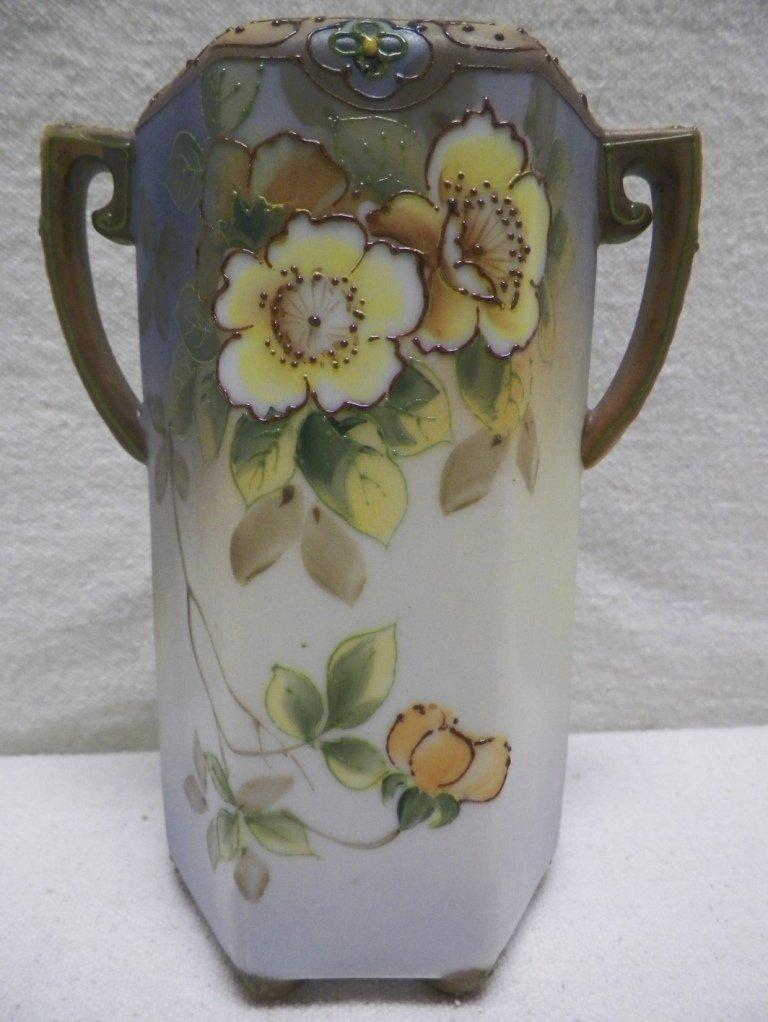 Nippon Moriage Vase Wild Roses Morimura Brothers