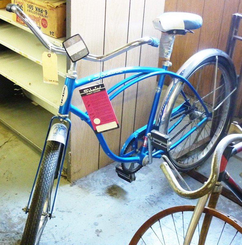 129: Vintage 1968 Schwinn Typhoon Bicycle