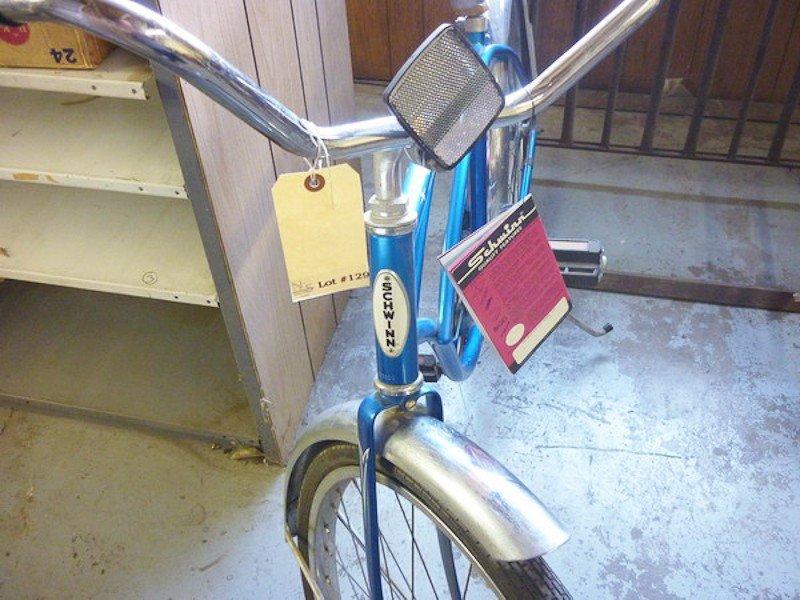 129: Vintage 1968 Schwinn Typhoon Bicycle - 3