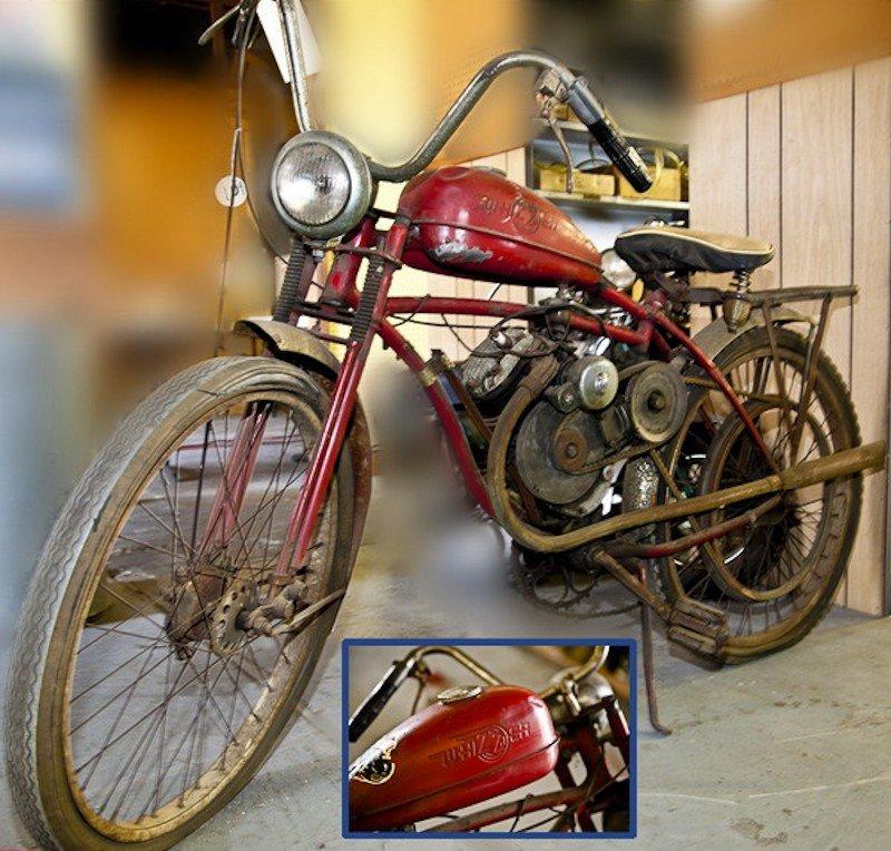 137: Schwinn Whizzer Motor Bike