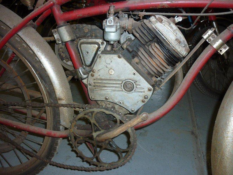 137: Schwinn Whizzer Motor Bike - 3