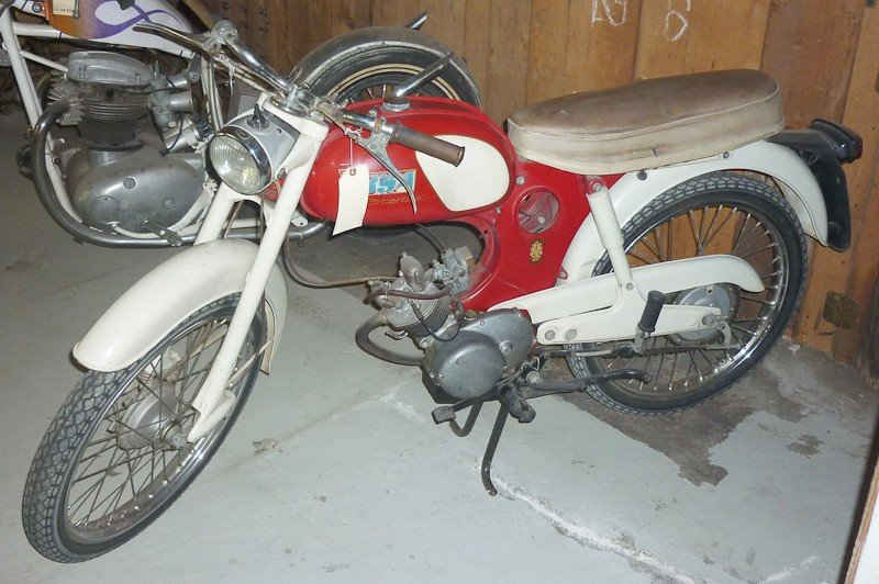 157: 1964 BSA Starlite / Beagle Motorcycle