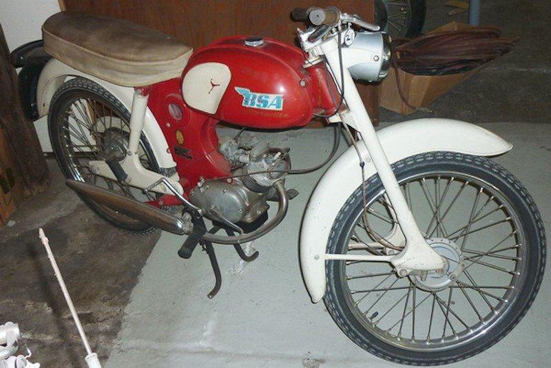 157: 1964 BSA Starlite / Beagle Motorcycle - 2