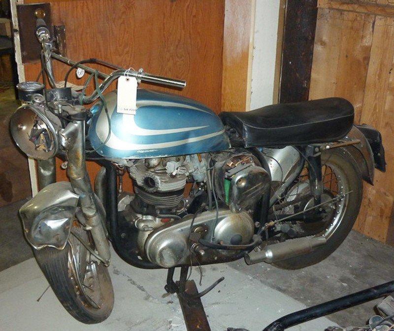 210: 1967 Norton Atlas Motorcycle