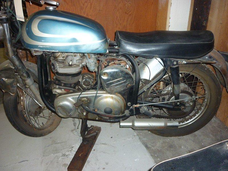 210: 1967 Norton Atlas Motorcycle - 2