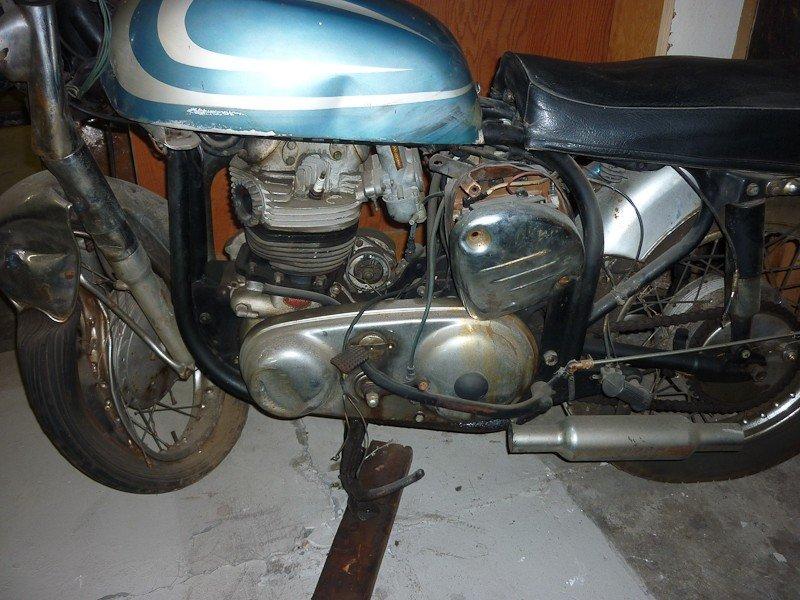 210: 1967 Norton Atlas Motorcycle - 5