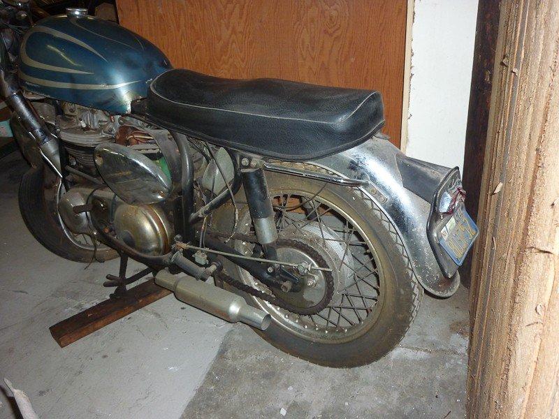 210: 1967 Norton Atlas Motorcycle - 6