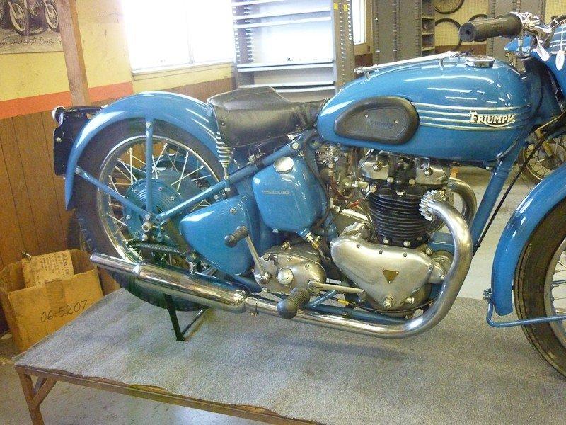312: 1951 Triumph 6T Thunderbird Motorcycle - 4