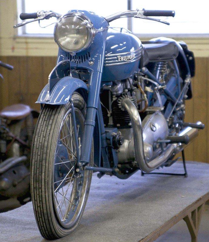 312: 1951 Triumph 6T Thunderbird Motorcycle - 8