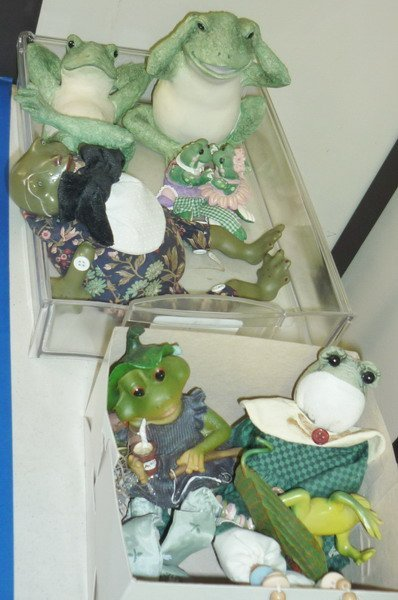 27: Frog Figurine Collection