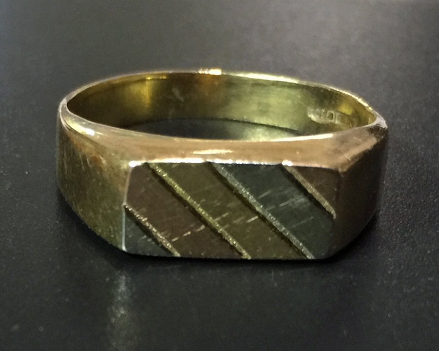 18K Men's Gold Ring
