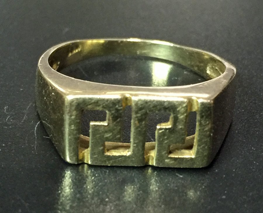 18K Gold Greek Key Ring