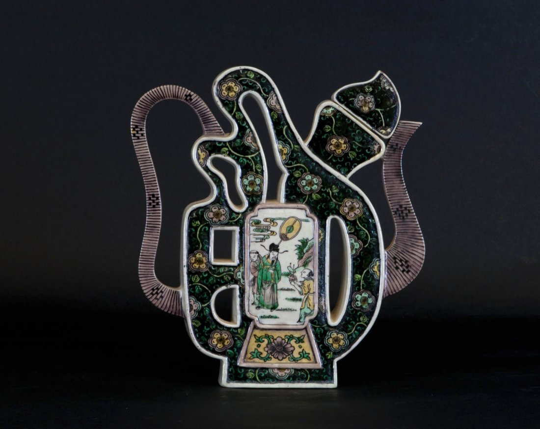 Chinese Famille Verte Tea Pot
