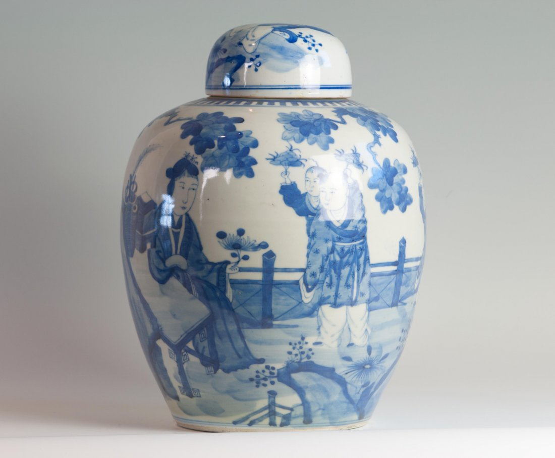 Chinese Large Blue-white Covered Jar