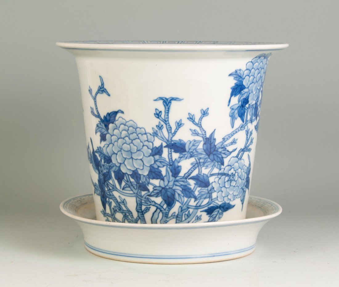 Chinese Blue-white Planter with an Undertray