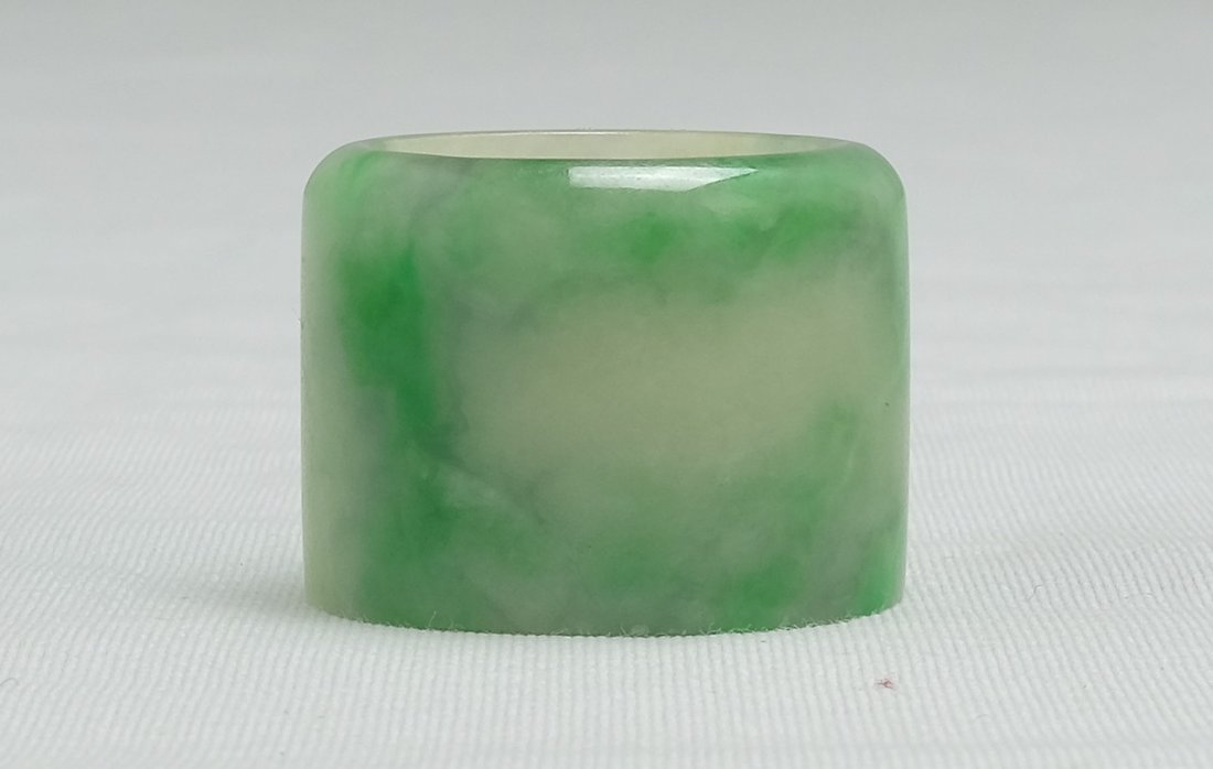 Chinese Jadeite Thumb Ring - 3