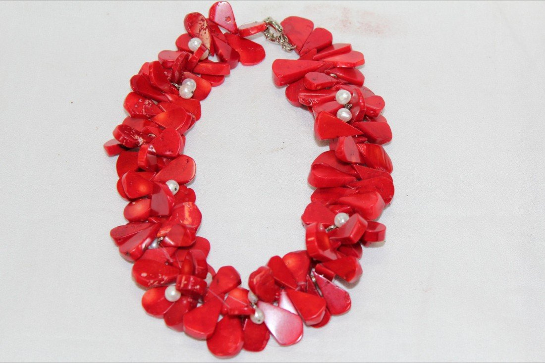 1003: CHIJESE CORAL NECKLACE