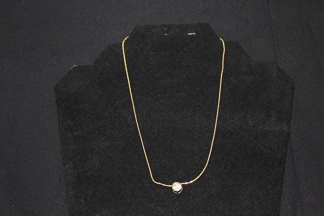 5021: Very fine 14 k Italy gold chain with pendant