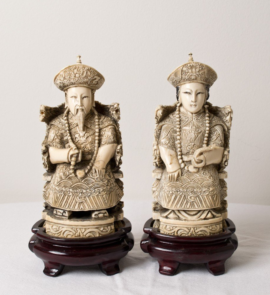 4064: PAIR OF CHINESE CARVED IVORY FIGURES