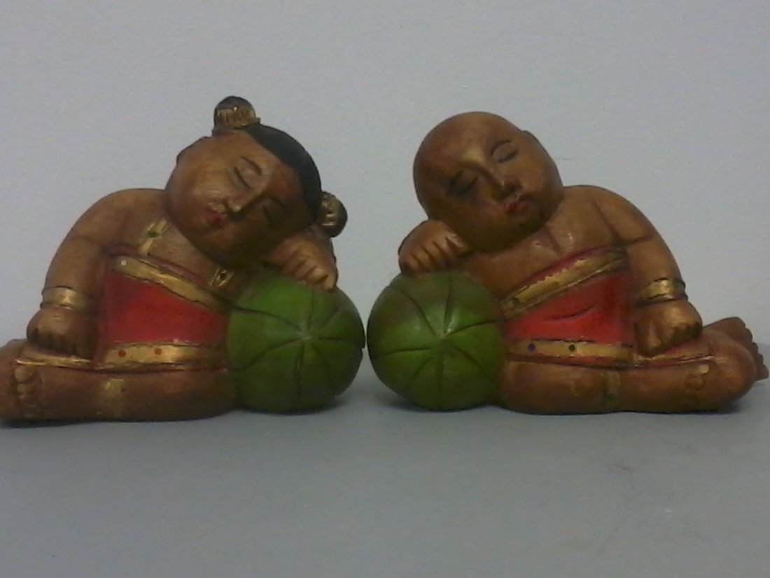 6010: Pair of Asian wooden figures