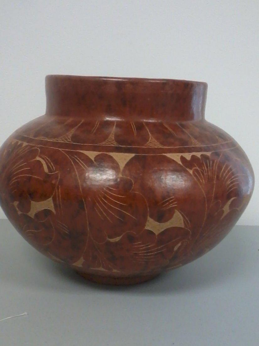 7011: Chinese pottery pot