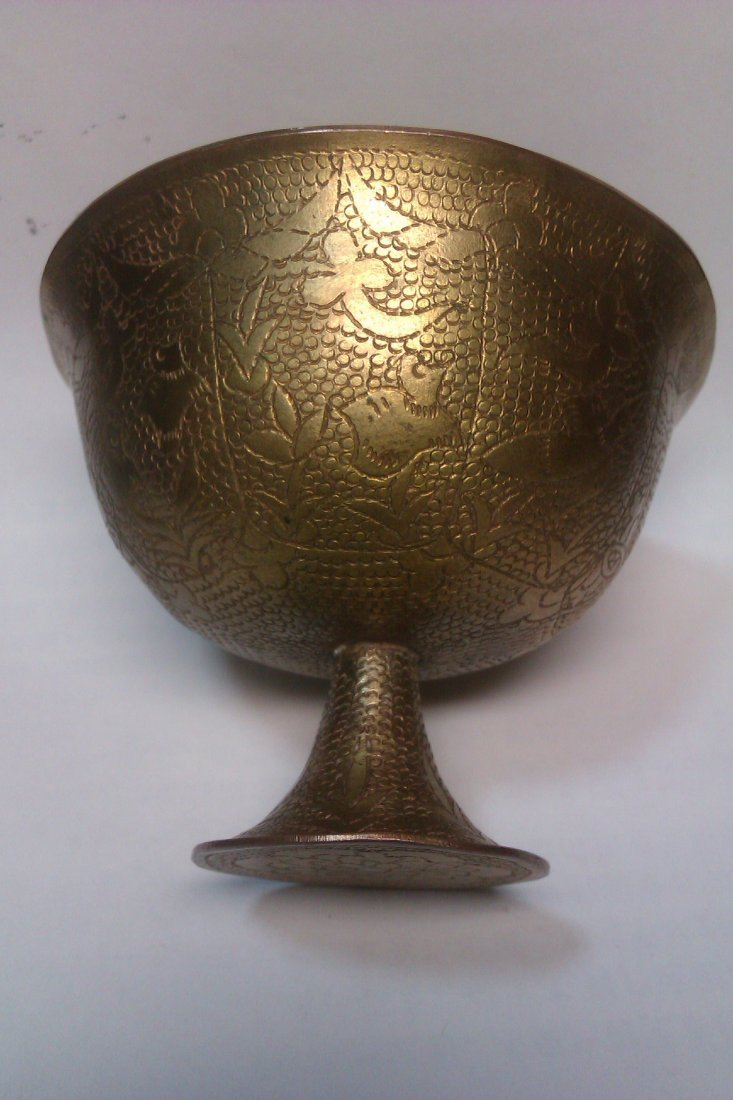 6009: Fine Chinese Tang dynasty  gold cup